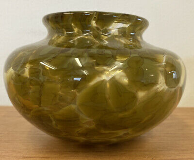 Beautiful Olive Green 3  Vase From The Pembrokeshire Glassblowing Studio (D1) • 9.99£
