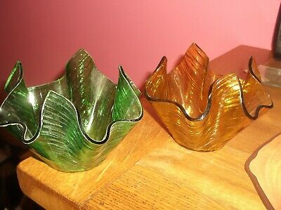 2 Retro Chance Art Glass Handkerchief Vases Green & Gold • 7.50£