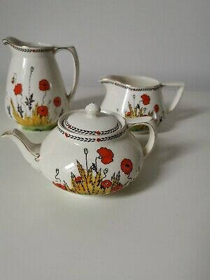 Crown Ducal Poppy Set - Teapot And Two Jugs • 45£