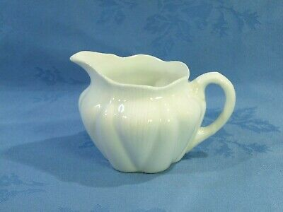 DELICATE SHELLEY SMALL JUG IN THE 'DAINTY WHITE' DESIGN  ~  PATTERN Rd.272101 • 5.99£
