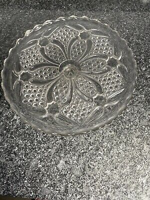 Beautiful Vintage Glass Cake Stand • 14.99£