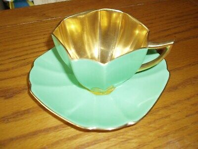Shelley Green/Gold Cup And Saucer (Chipped) RD 723404 • 8.50£