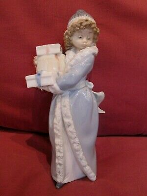 Stunning Retired Lladro Nao Figurine Curly Hair Girl Carrying Presents  • 6.50£