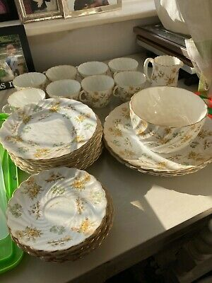 Aynsley Yellow Rose Tea Set 29 Pieces, White, Yellow Roses, Gold Coloured Edging • 22£