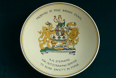Lovely Hand Painted Poole Pottery Carolyn Beckwith Crest Plate  • 19.99£