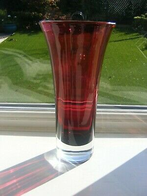 HAND MADE DARTINGTON CRYSTAL CRANBERRY  VASE - 24 Cm • 9.50£