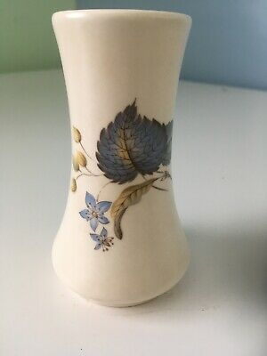 "Axe Vale Small Vase 4.5"" H, Blue Leaf Patterm • 4.99£"