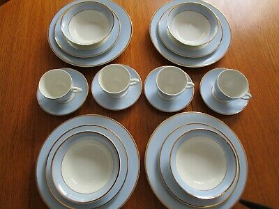 Doulton China 20 Piece Dinner Service 2004 RD • 40£