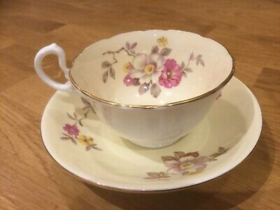 Aynsley Tea Cup And Saucer • 22£
