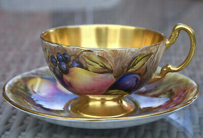 """AYNSLEY * ORCHARD GOLD """" TEA DUO  - CUP & SAUCER Vgc Both Signed By D Jones (4) • 99.99£"""
