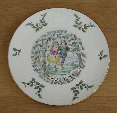 Royal Doulton Christmas Plate 1977 1st In The Series • 5.99£