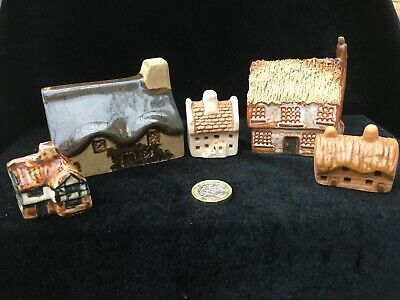 Five Unmarked Miniature Houses  • 11.75£