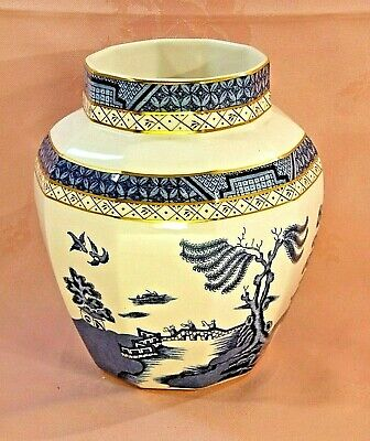 A Large Vase Consisting Of Vintage Booths 'real Old Willow' China • 16.99£
