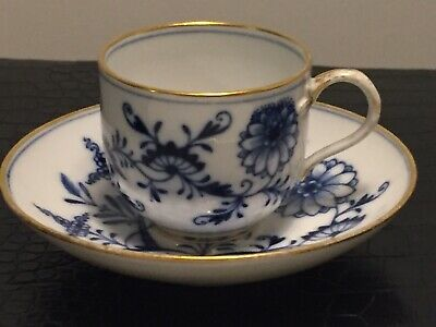 Stunning Antique Meissen Blue Onion Porcelain Cup And Saucer  • 9.99£