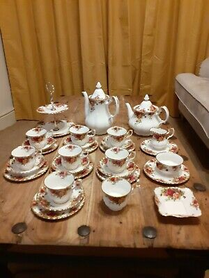 Royal Albert Bone China Old Country Roses Collection • 29£