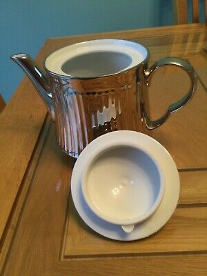 Royal Worcester Silver Ribbed Porcelain 2 Pint Teapot. Perfect Condition. • 15£