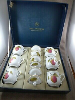 Boxed Set Of 6 Royal Worcester Evesham Chocolate Cups And Lids • 39.99£