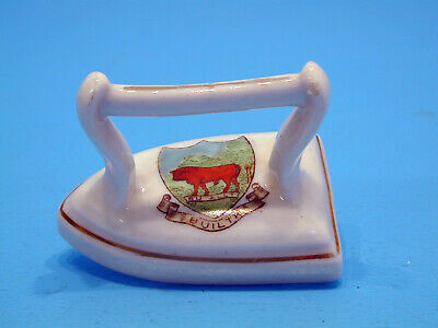 Victoria Crested China Smoothing Iron - Builth • 9.99£