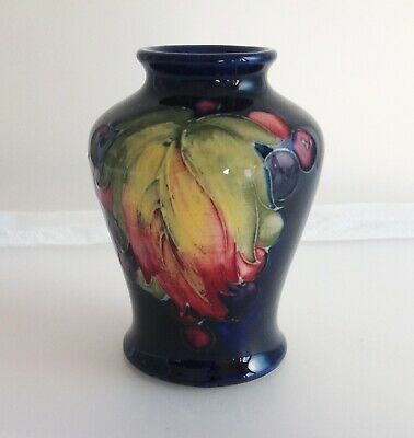 "Vintage Moorcroft Pottery Tube Lined  Leaf & Berry"" Pattern Small Vase • 39£"