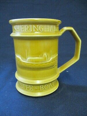 Holkham Pottery Tankard, Sheringham Lifeboat & Clock Tower, 12cm High • 3£