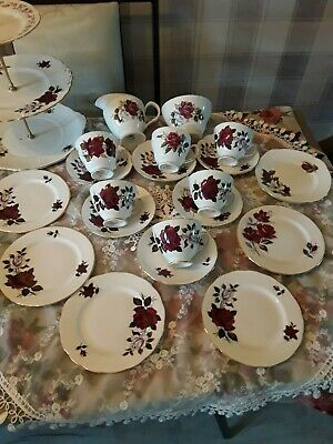 Vintage Mixed Tea Set Deep Red Roses Including Royal Vale good Condition • 22.95£