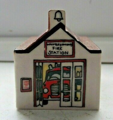 WADE WHIMSIES WHIMSEY ON WHY HOUSE THE FIRE STATION No 31 EXCELLENT SEE PICS • 0.99£