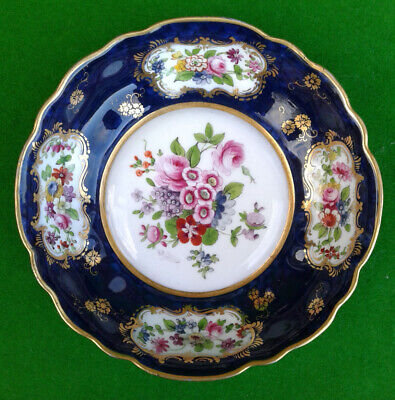 Royal Worcester Hand Painted Floral Patterned Dish - Signed E. Phillips - 1919. • 59.99£