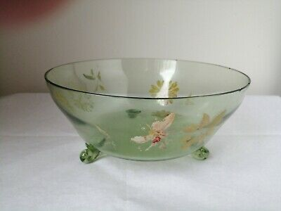 Vintage Green Glass Flower Pattern Bowl  22cm Diameter • 9.99£