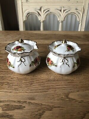 Royal Albert  Old Country Roses  Pair Of Dorothy Pots • 14.99£