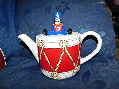 Collectable Wade Drummer Boy Teapot Judith Wootton For Boots • 12£