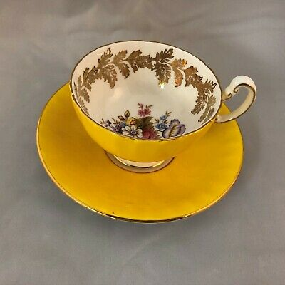 Aynsley Yellow Bone China Tea Cup & Saucer, Floral Design & Gold Leaf Scrollwork • 25£