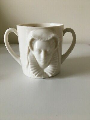 Goss Loving Cup With Mary Queen Of Scots In Relief - Crest Earl Of Moray • 85£