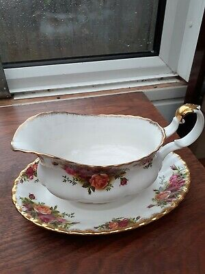 Royal Albert Old Country Roses Gravy Boat And Stand  • 8£