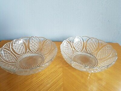 Vintage Glass Bowls X 2 • 8.99£