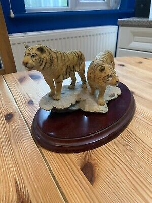 Compton And Woodhouse Snow Tigers Figurines • 70£