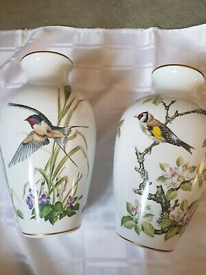 Limited Edition - FRANKLIN PORCELAIN VASE 'THE WOODLAND BIRD' - (1981) • 40£