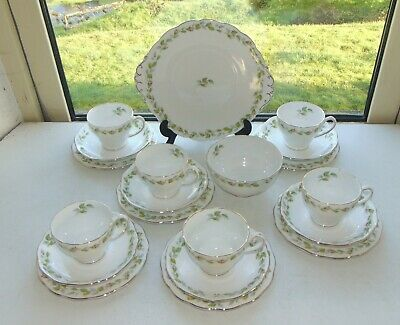 Roslyn Fine Bone China 20PC Cups Saucers Plates Sugar Bowl Nose Gay Roses • 45£
