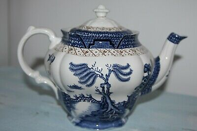 Vintage Booths Real Old Willow Teapot. • 19.99£