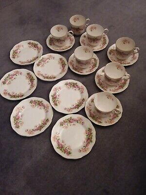 Rosina Queen's  Woman And Home  Honeysuckle 6 Place China Teaset • 23.80£