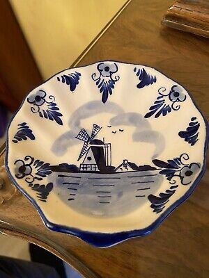 Vintage Dutch Blue Pottery Dish 4.5 Inches Diameter Windmill Scene  • 2.40£