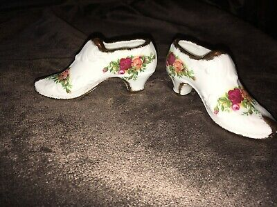 A Pair Of Two Vintage Royal Albert Old Country Roses Bone China Shoes • 6£