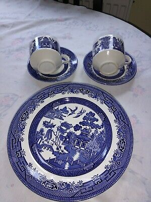 England Churchill Dinner Plates  Cups And Saucers • 15£