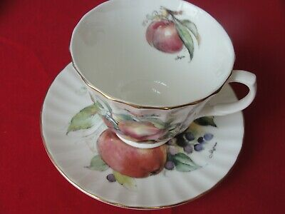 ROYAL KENSINGTON FINE BONE China Made In England CUP AND SAUCER • 6.98£
