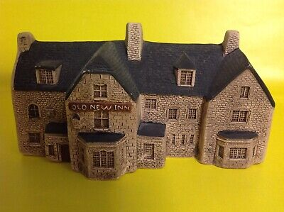 PHILIP LAURESTON POTTERY - OLD NEW INN BOURTON ON THE WATER - Collectors Item • 8£