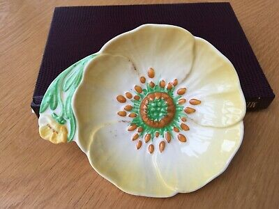 ***carlton Ware*** Yellow Flower Dish • 13£