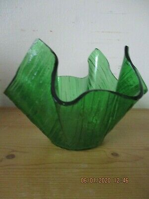Vintage Chance Hankerchief Vase Green Glass • 12£