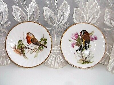 Pair Royal Sutherland Vintage Bird Display Plates • 5£