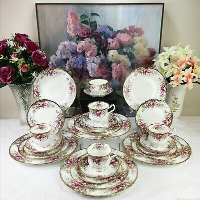 Queen Anne '' Summer Rose '' Bone China Made In England • 250£