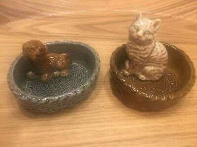WADE Pottery, - Spaniel In Basket And Cat In Basket, 2 Items • 13.50£