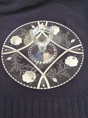 1940s ROSE ETCHED & CUT GLASS CAKE PLATE, CENTRAL HANDLE  • 12£